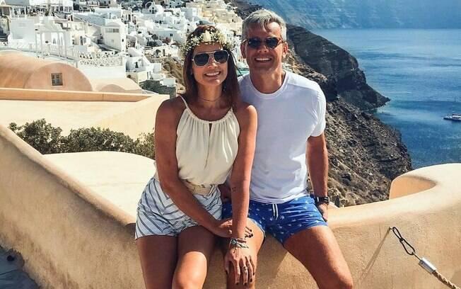 Flávia Alessandra e seu marido Otaviano Costa estão aproveitando o tempinho longe da televisão para curtir a Grécia