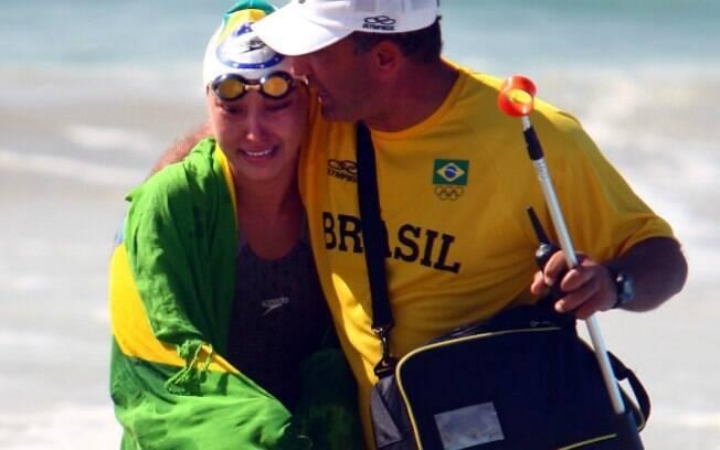No Pan de 2007, no Rio de Janeiro, Poliana  recebe ajuda ao final da prova. Lá ela também  conquistou a prata