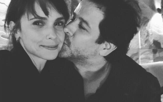 Débora Falabella e Murilo Benício tentaram esconder o namoro