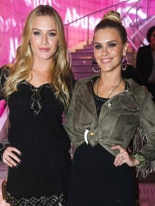 Carolina Dieckmann e Fiorella Mattheis na C&A