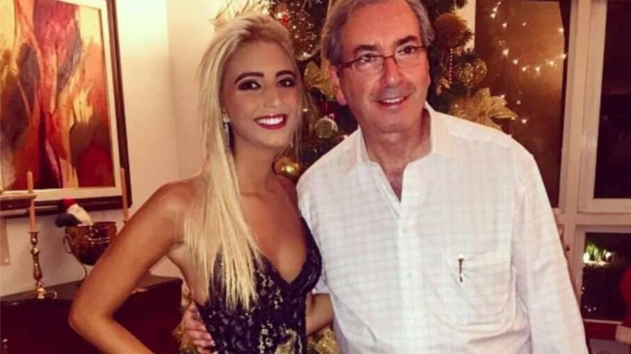 Eduardo Cunha ao lado da filha mais nova