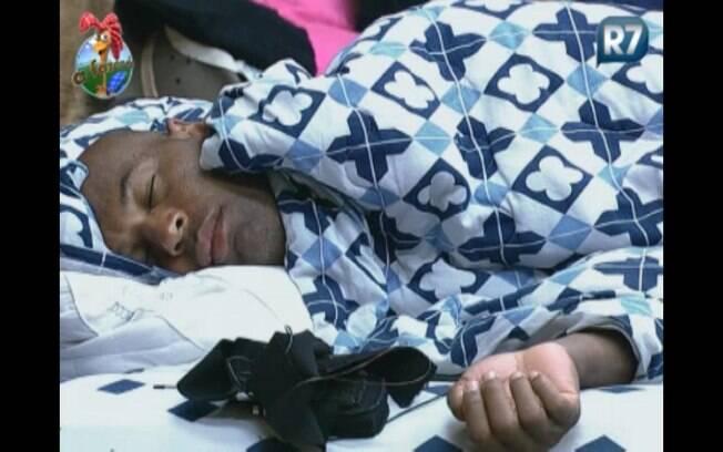 Dinei dorme durante a tarde