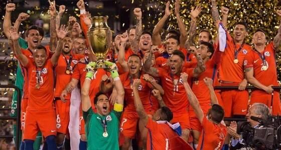 Chile supera a Argentina nos pênaltis e é campeão