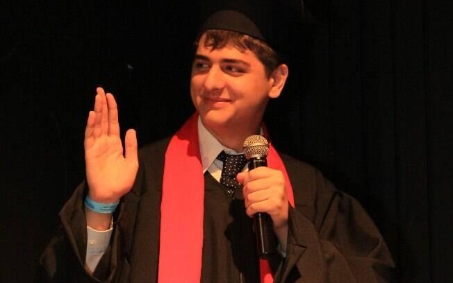 Depois de se formar no ensino médio, Eric fez um curso profissionalizante de ator e outro de dublador