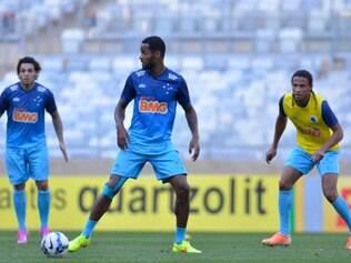 Dedé (c) ficou fora da primeira convocação de Dunga, mas na visão da diretoria do Cruzeiro seria um dos nomes lembrados