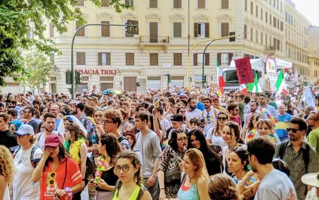 Parada LGBT em Roma foi marcada por atos contra vice-premier e a extrema-direita