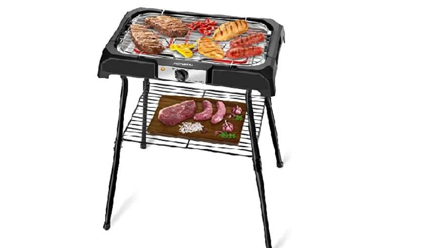 Compacta e portátil, a churrasqueira elétrica é uma ótima opção para quem gosta de churrasco mas mora em apartamento