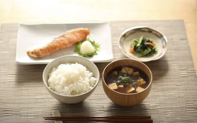 Itens da refeição matinal japonesa podem ser degustados em outros momentos do dia