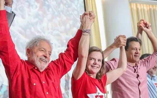 Lula ao lado de Gleisi Hoffmann e Fernando Haddad