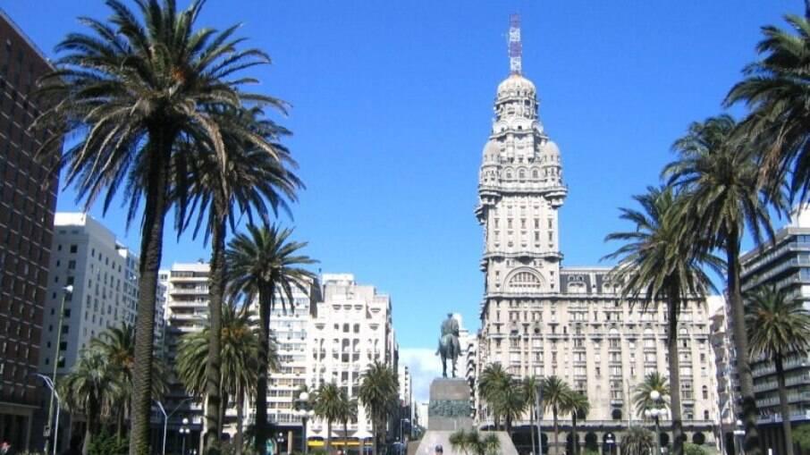 Para incentivar turismo, Uruguai isentará viajantes de pagar impostos