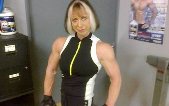 A fisiculturista Angela Graham conta que o levantamento de peso melhorou a sua vida em todos os sentidos
