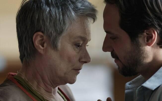 Guilherme (Antônio Saboia) investe pesado para ficar com Norma, que fica tentada com a situação . Foto: Divulgação/TV Globo