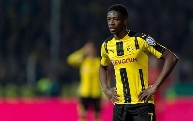 Dembelé faltou ao treino do Borussia Dortmund nesta quinta-feira e deseja ir para o Barcelona, mas clube alemão negou primeira proposta