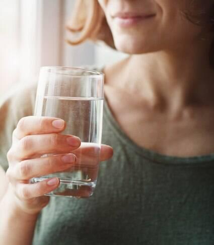 Beber água ajuda a manter a imunidade em dia?
