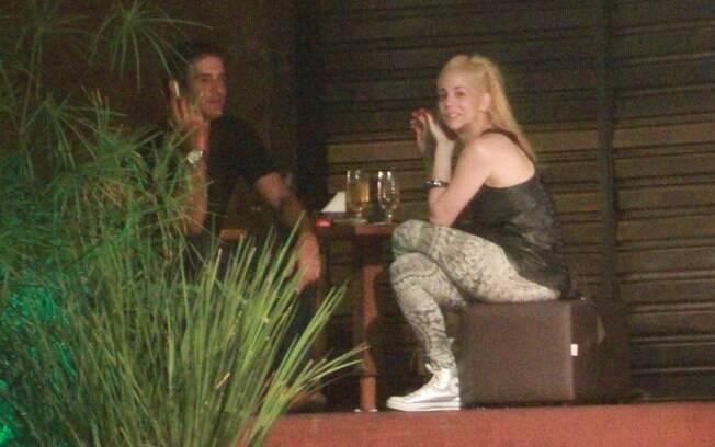 Marcos Pasquim e Danielle Winits: noite com cerveja, sushi e cigarro