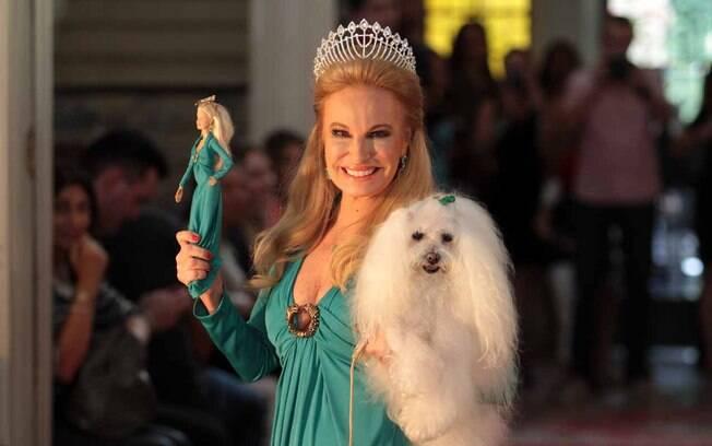 Brunete Fraccaroli desfila com sua cadelinha, Sissi