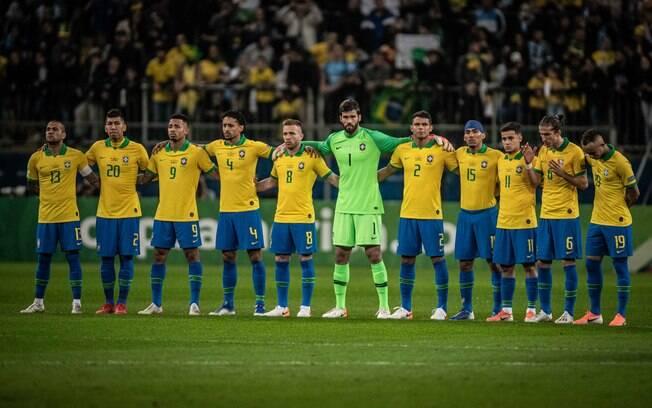 Jogo teve um minuto de silêncio por Thalles, jogador do Vasco que faleceu no último sábado (22)