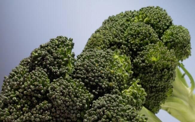 Brócolis: 1 xícara (chá) por dia. Foto: Getty Images