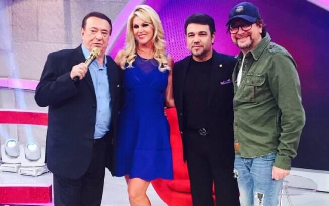 Val Marchiori com Raul Gil, Feliciano e Raulzinho, diretor do programa