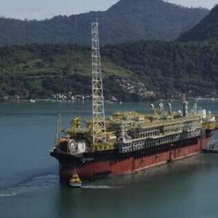 Imagem de navio-plataforma da Petrobras