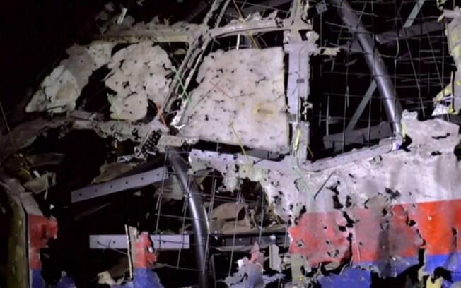 Explosão de avião deixou 298 mortos