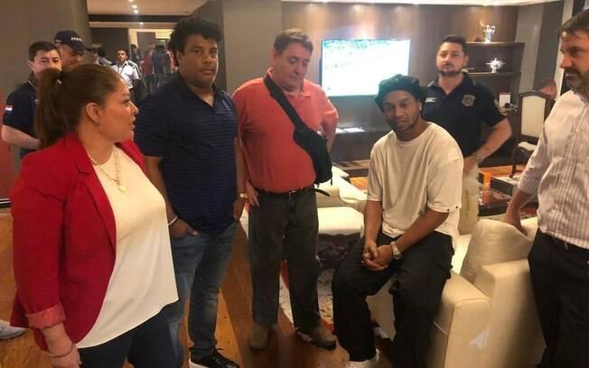 Ronaldinho Gaúcho foi preso com seu irmão Assis no Paraguai