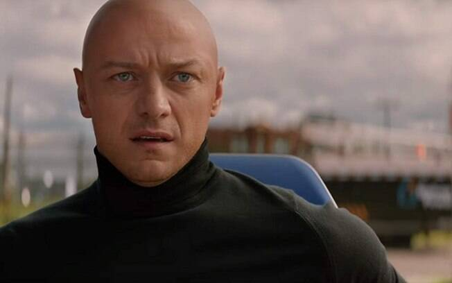 Charles Xavier (James McAvoy) em cena de Fênix Negra