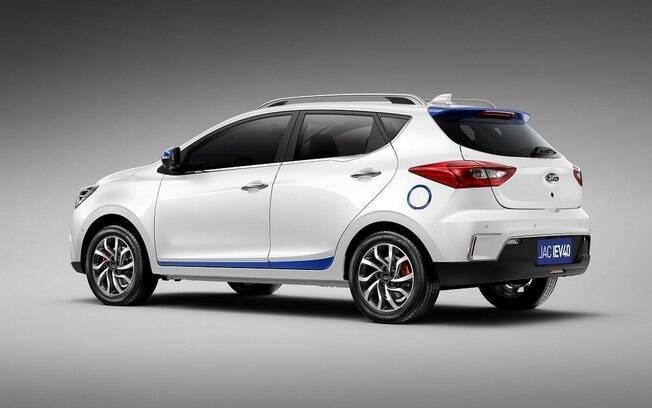 O novo modelo da JAC Motors promete ter autonomia de cerca de 300 quilômetros até precisar recarregar as baterias