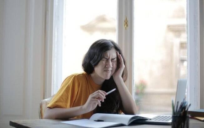 Saiba como fazer a dor de cabeça passar de maneira natural
