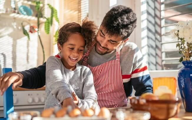 Um dos melhores jeitos de demonstrar toda a gratidão para as mães no dia tão especial é preparar um cardápio completo, repleto de pratos deliciosos