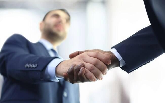 Estabelecer uma relação de confiança com o cliente é essencial para obter sucesso no modelo B2B