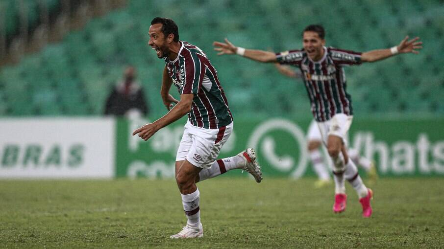 Nenê celebra o gol da vitória do Fluminense sobre o Santos
