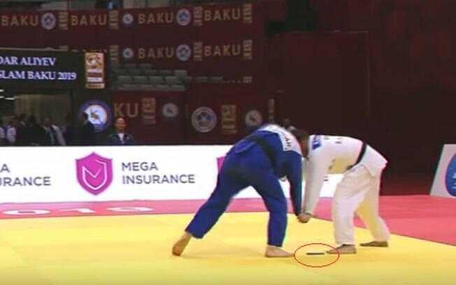 Judoca português é eliminado após esquecer celular no kimono
