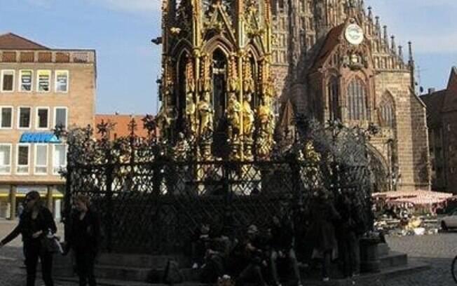 A Bela Fonte de Nuremberg Alemanha