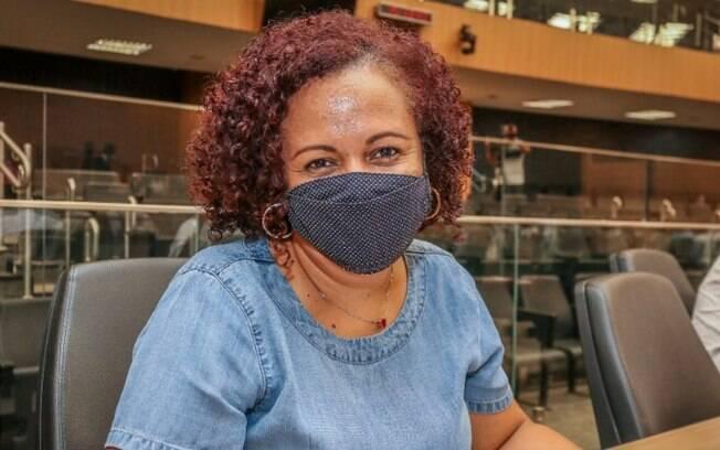 Covid-19: após sentir mal-estar, vereadora é internada na PUC