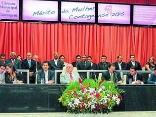 Solenidade.  Parlamentares indicaram 20 nomes para receber uma homenagem do Mérito da Mulher Contagense, na Câmara Municipal
