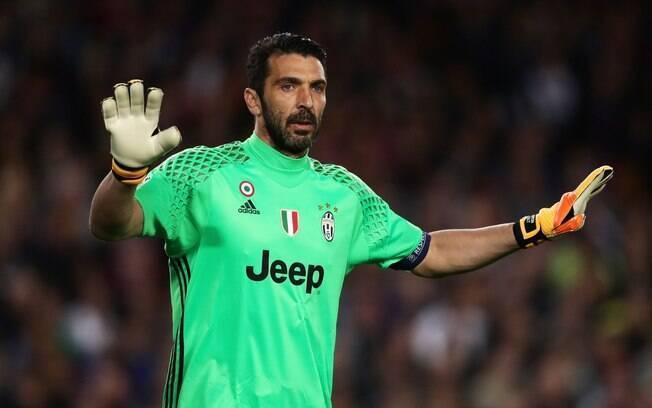 Buffon mais uma vez fez bela partida à frente da meta da Juventus