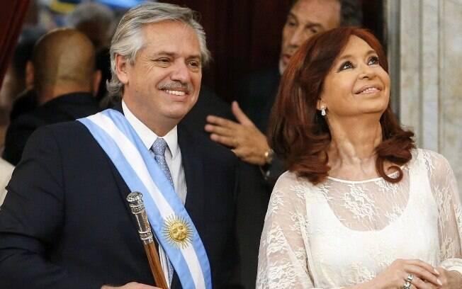 Alberto Fernández, presidente, e Cristina Kirchner, vice, em cerimônia de posse na Argentina