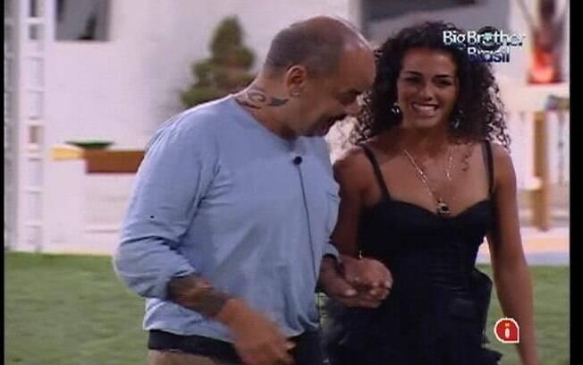 João Carvalho recepcionou a visitante do BBB12