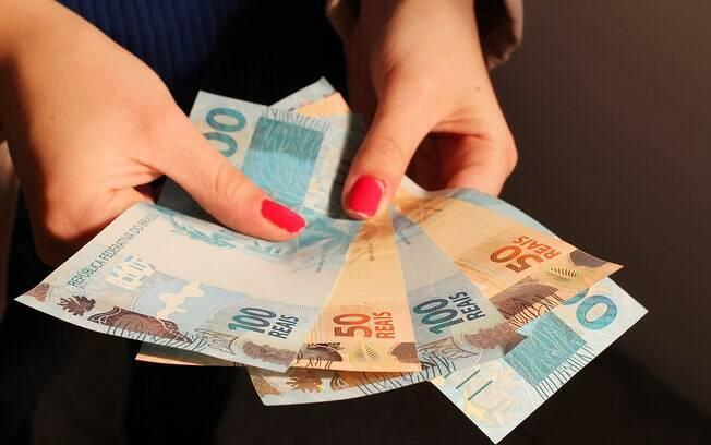 Saque das contas inativas do FGTS começa em março