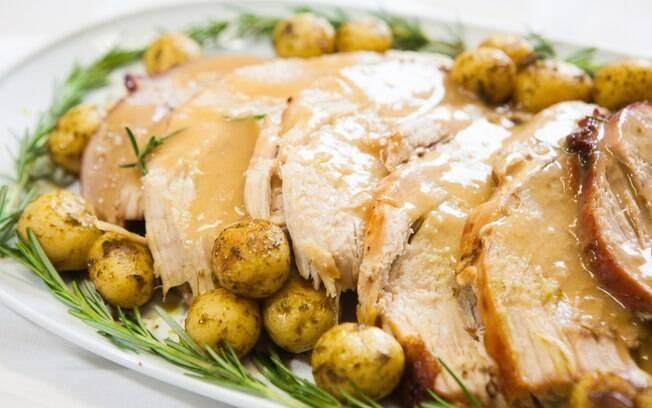 O pernil é uma carne saborosa e pode demorar pouco para fazer