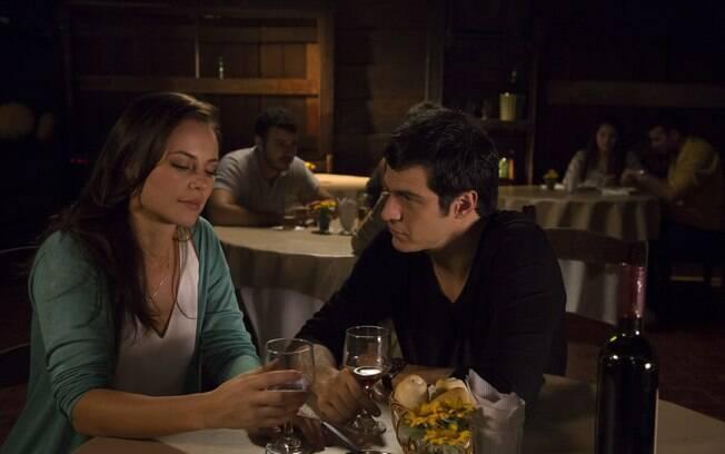 Paolla Oliveira e Mateus Solano: personagens solitários atraídos um pelo outro