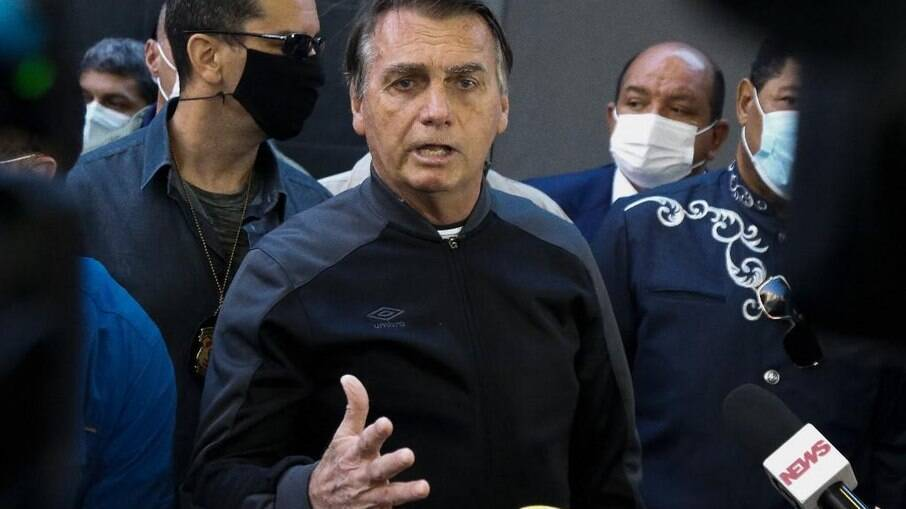 Presidente Jair Bolsonaro afirmou que sancionará o projeto e lamentou a situação de três clubes brasileiros