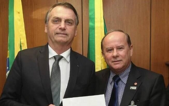 Aguiar Neto, então presidente do Conselho de Reitores das Universidades Brasileiras (Crub), durante encontro com Jair Bolsonaro, em março passado
