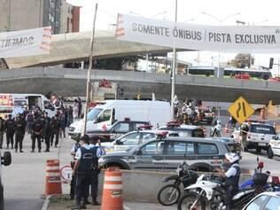 Grande aparato policial e de socorro foi mobilizado para o local do acidente