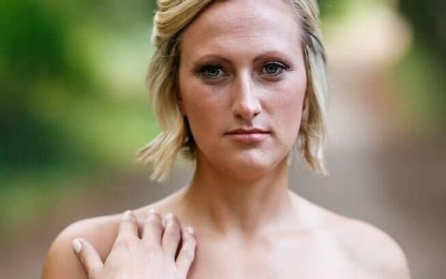 A uma semana da celebração, o noivo de Nikki Salgot faleceu e, mesmo assim, a noiva não desistiu das fotos de casamento