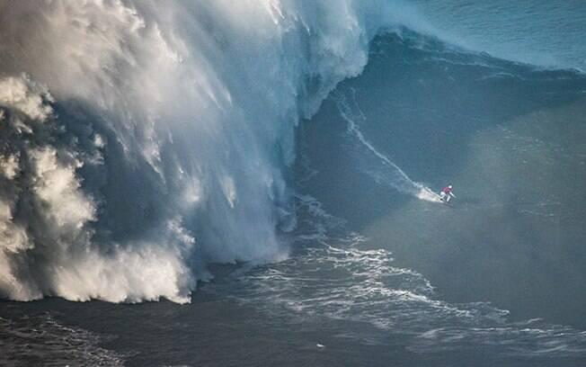 A onda surfada por Maya Gabeira