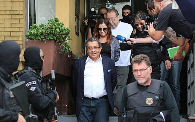 O marqueteiro João Santana, a mulher dele  e o operador de propinas estão presos em Curitiba