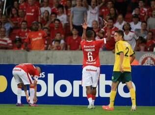 Fabrício fez gestos obscenos para a torcida do Inter e teria ouvido ofensas racistas