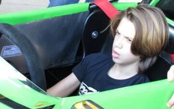Filho de Barrichello faz primeiro teste para iniciar sua carreira nas pistas
